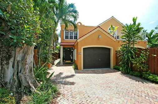 townhouse in coconut grove