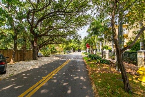 2855 Coconut Avenue, Coconut Grove