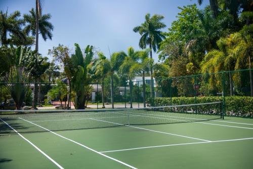 Entrada Tennis Court