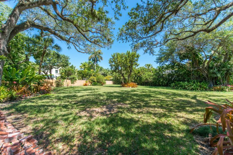 Vacant lot for sale in Coconut Grove